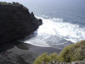 Playa del Ancón (lado del peñón)