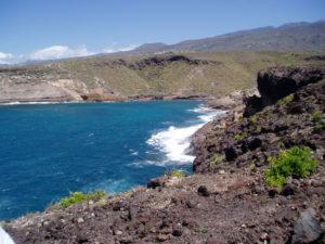 Camino por litoral hacia Armeñime
