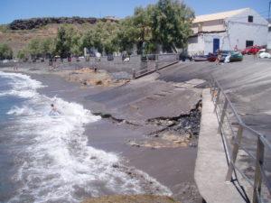 Playa de Armeñime y rampa de barcos