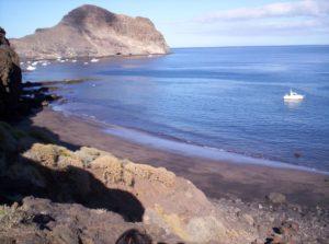 Playa Zápata y Roque de Antequera